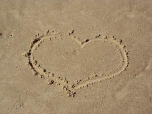 1339476_sand_heart